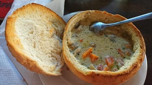 Ciorbă de viţel în pâine
